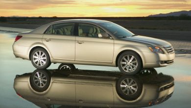 Photo of 2006 Toyota Avalon OEM Service and Repair Manual.